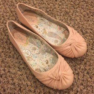 SODA Women's Pink Shoes sz 7 1/2